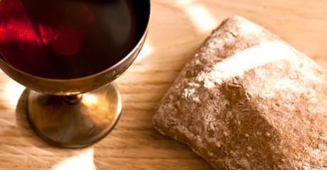 Wat moet iemand die geen gluten of alcohol kan verdragen met de communie?